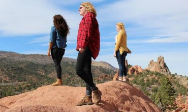 For Women: How to Choose the Best Outdoor Clothes?