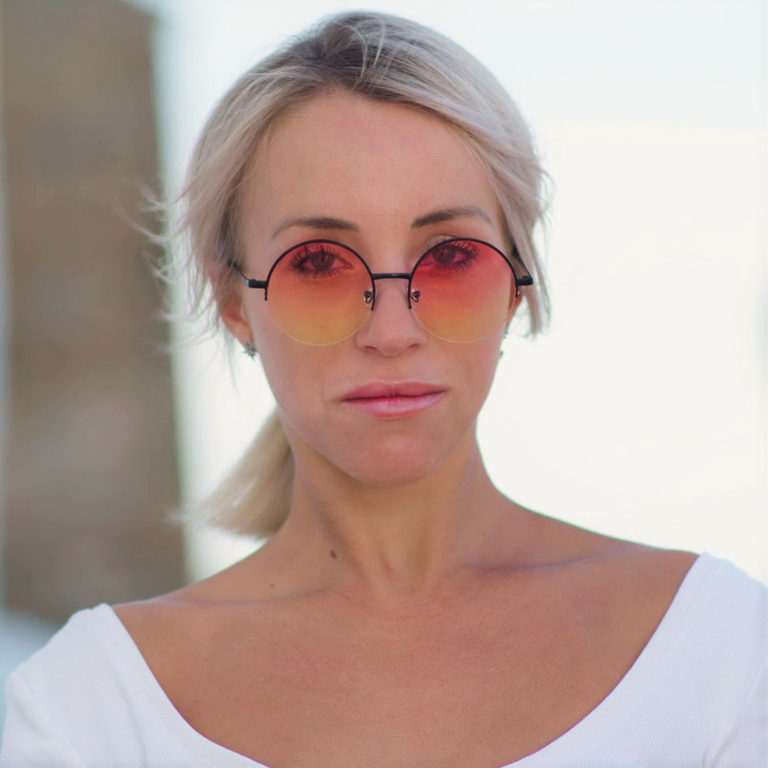 HALFLING round tinted color sunglasses in ibiza
